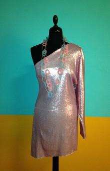 Ассиметричное платье из матовой паетки