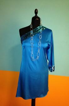 Ассиметричное лазурное платье